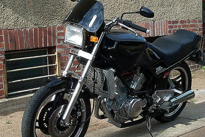 XZ 550
